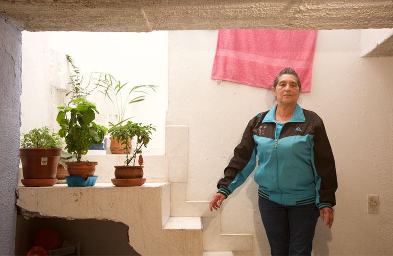 María Estela Cifuentes, 20 años después con las escrituras de su casa