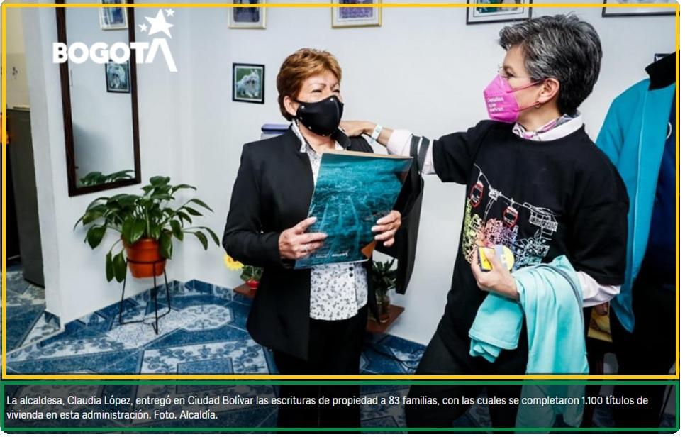 La alcaldesa, Claudia López, entregó en Ciudad Bolívar las escrituras de propiedad a 83 familias, con las cuales se completaron 1.100 títulos de vivienda en esta administración. Foto. Alcaldía.