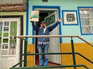 puerta a puerta 200 títulos de propiedad en el barrio El Paraíso, Ciudad Bolívar
